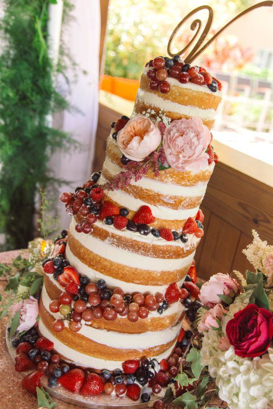 Naked Wedding Cake With Fruit Sparky S Restaurant Restaurant